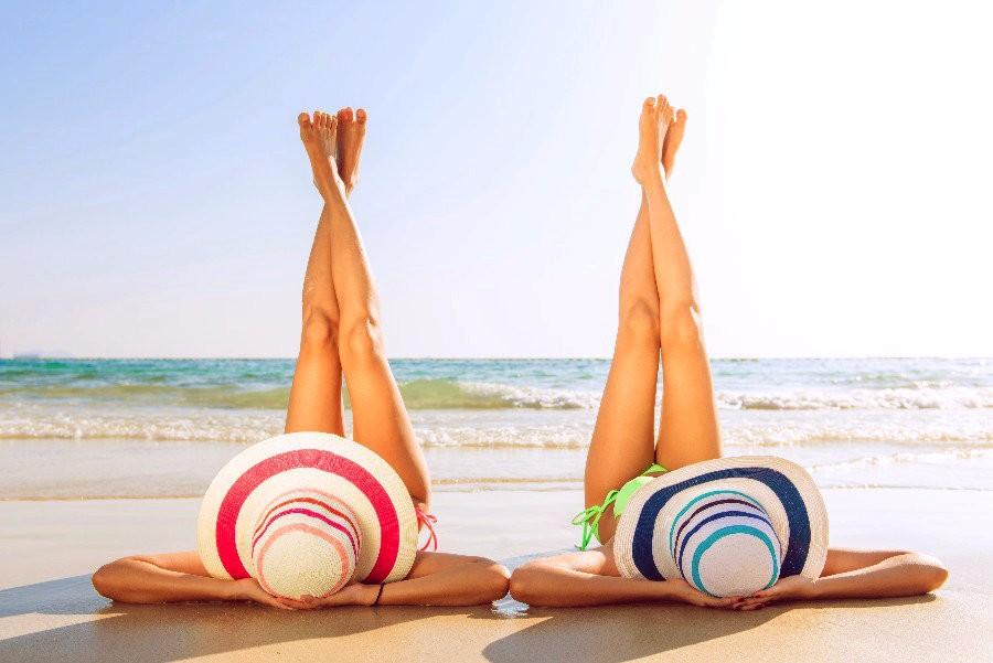 Départ en vacances : les 6 choses à dire à son associé·e !